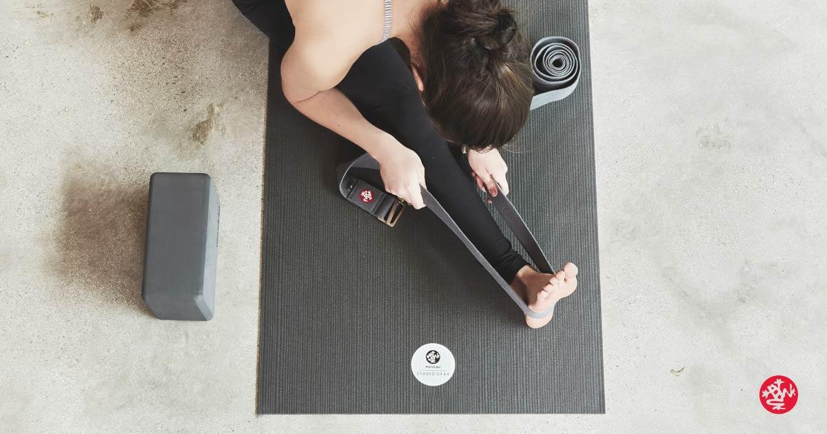 Yoga Shop für Yogamatten, Yoga Kleidung, Mediationskissen und Yoga Zubehoer