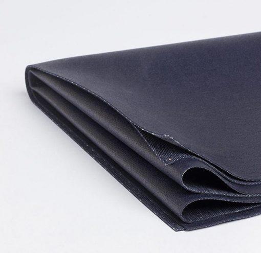 eKO Superlite Travel Yoga Mat midnight folded detail