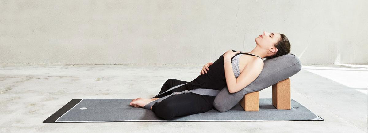 yoga gurt, yoga block, yoga bolster, yoga handtuch