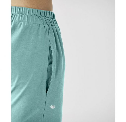 lotuscraft organic yoga shorts seegruen 2