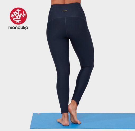Manduka®presence legging dark sapphire